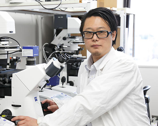 Assistant Professor Takashi Satoh (Host Defense)